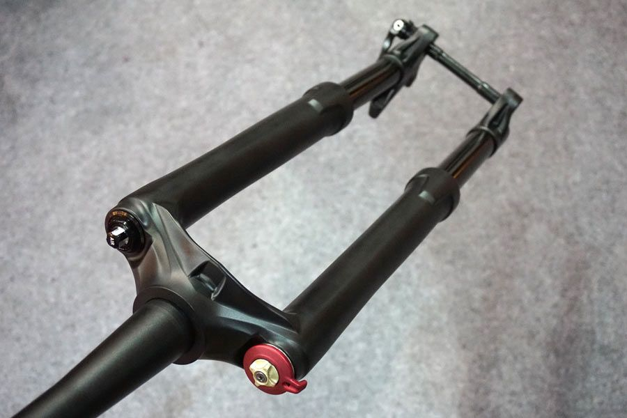 http://www.test.rowery650b.eu/images/stories/news/amortyzatory/RST_2015/RST-inverted-suspension-fork-prototype01.jpg